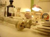 A háborús ellátás orvosi eszközei, műszerei (1944-1980)