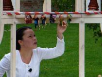 Szabadtéri bábelőadás a Bajor Gizi Színészmúzeumban