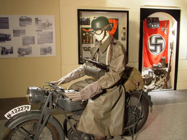 article/1082/Piavetol_a_Donig_Dontol_a_Dunaig_Magyarorszag_katonai_tortenete_1918-1948-ig_20120802164425.jpg