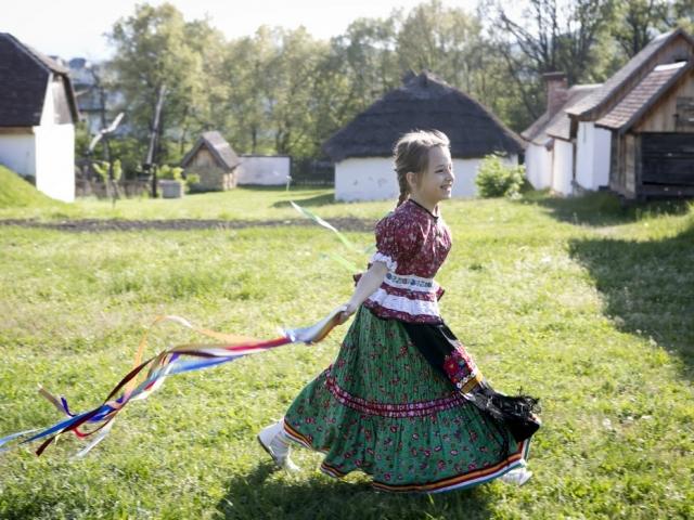 article/13158/Punkosd_matyo_kislany.jpg