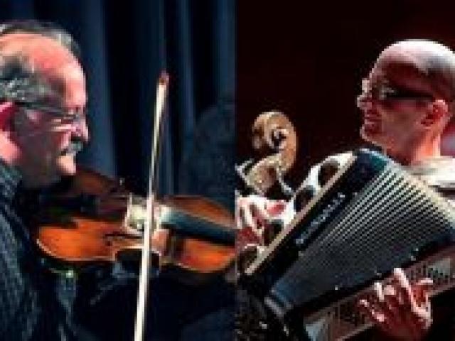 Csík János és Barcza Zsolt zenés tárlatvezetése